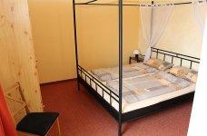 4Whg-1-Schlafzimmer-2-6P